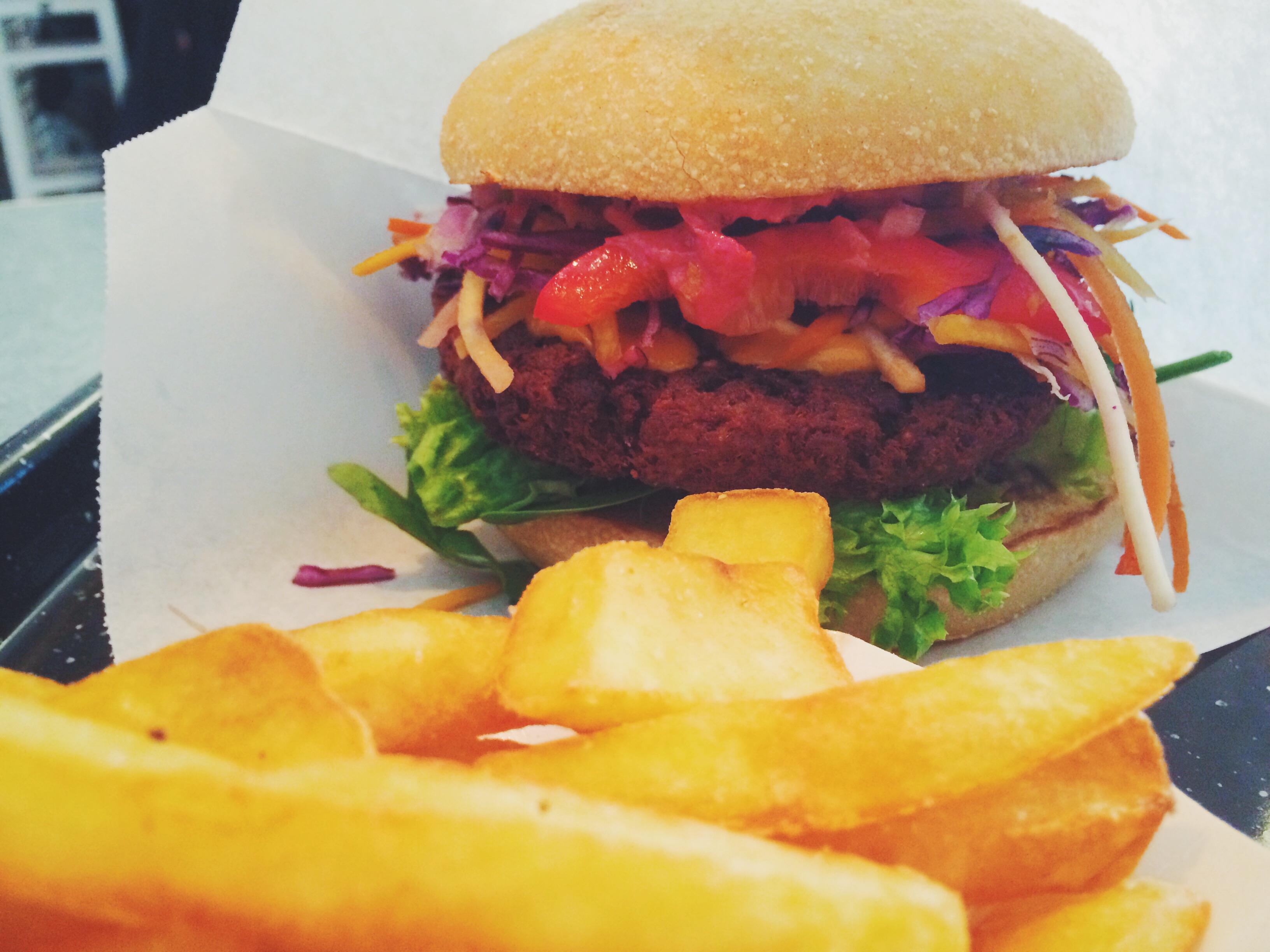 {Location} Veggie Burger essen in Schillinger's Swing Kitchen